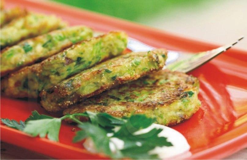 Оладьи из кабачков с сыром и чесноком пошаговый рецепт фото самые вкусные